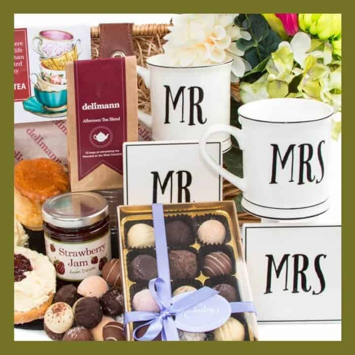 Anniversary & Wedding Hampers